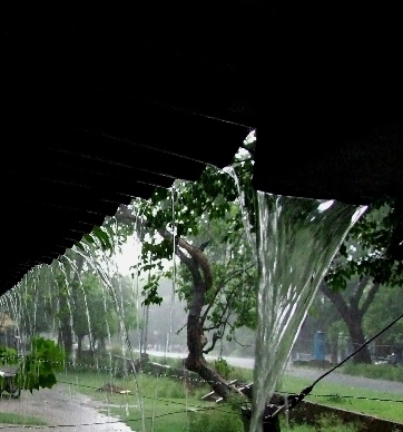 On a rainy day (Jamshedpur, India, June, 2007)
